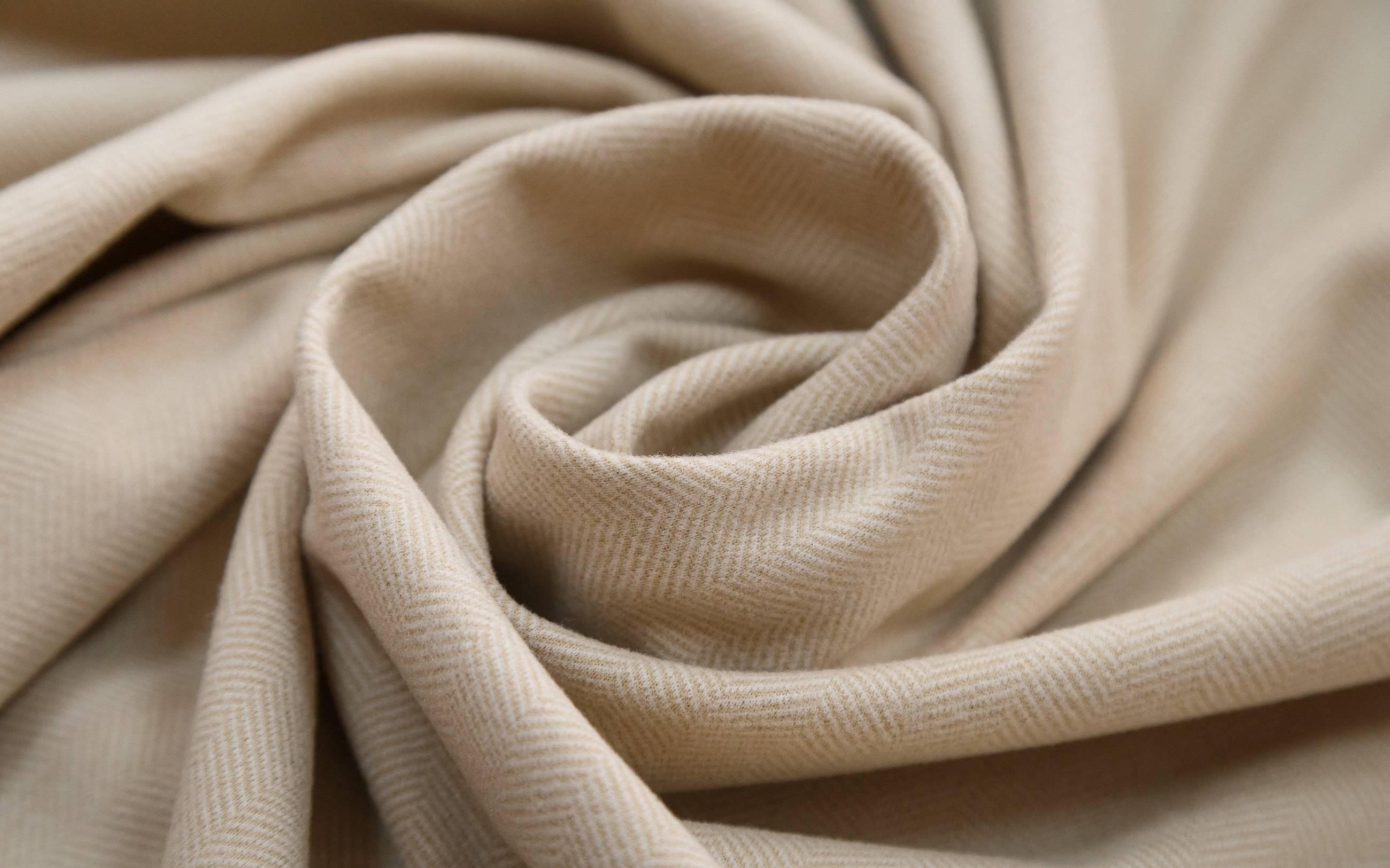 Костюмные ткани: классификация ассортимента в мелких деталях