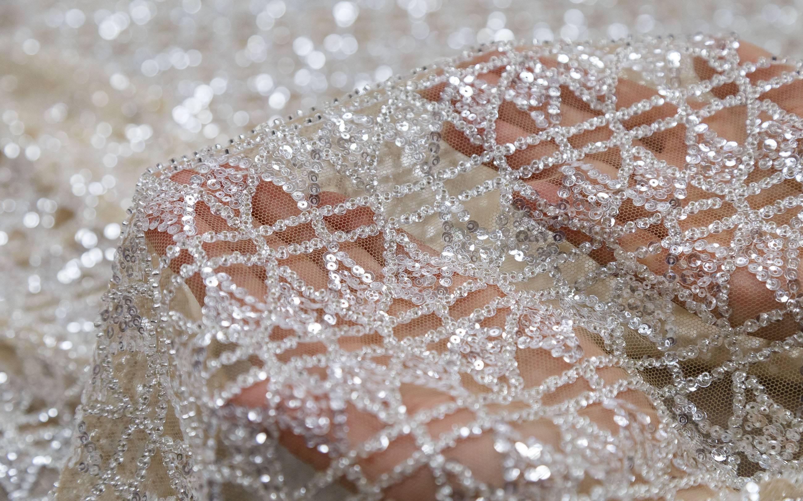 Самые красивые ткани для свадебных нарядов